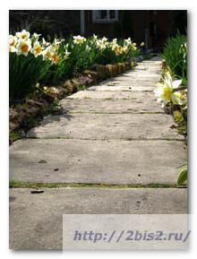Дачные-дорожки-дорожка-из-бетонных-плит