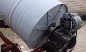 Как сделать бетономешалку из бочки своими руками: видео-3