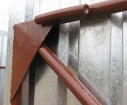 Установка косынки на створку ворот