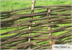Плетёный забор своими руками: фото-1
